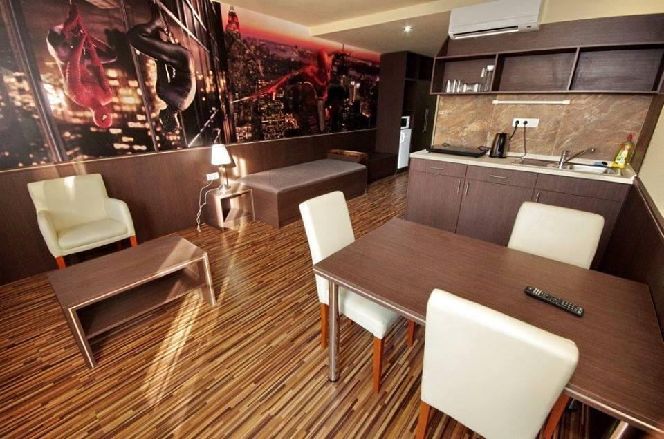 2_corvin_hotel_gyula_csaladi_szobak